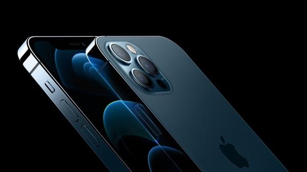 El nuevo iPhone fue presentado por Apple el 13 de octubre anterior en la sede de la firma, en Cupertino, California. (Foto reproducción EF)