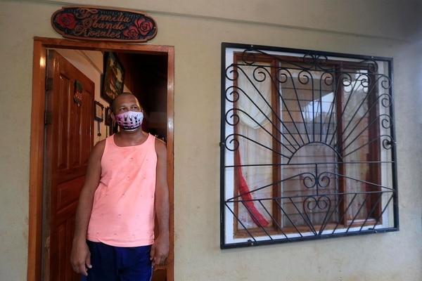 Ronny Obando, de Guardarraya de Villarreal, es guía turístico y perdió su empleo debido a la pandemia. Fotografía: Rafael Pacheco.