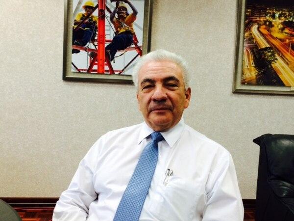 Carlos Obregón, presidente ejecutivo del ICE, explicó que buscan integrar los sectores de telecomunicaciones y electricidad completo. Este es un proceso que se desarrollará, en una primera etapa, durante este año.
