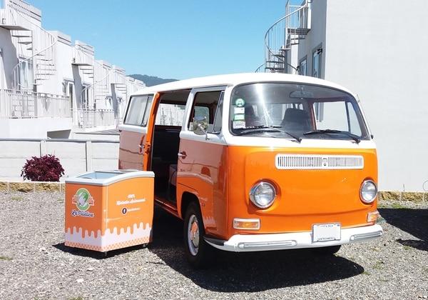 La empresa adquirió este microbús para transportar sus helados y venderlos en ferias y actividades. Funciona como un 'food truck'.