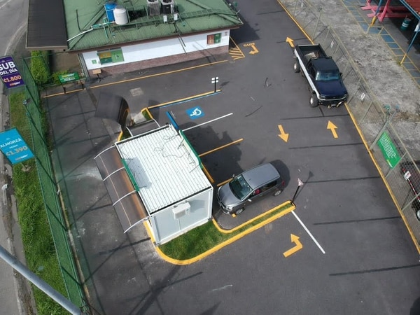 El restaurante Subway en Tibás ahora incluye un autoservicio. Se trata de una unidad satélite que se prueba en Costa Rica como posible innovación para la operación global de la cadena. Foto: Cortesía de Subway
