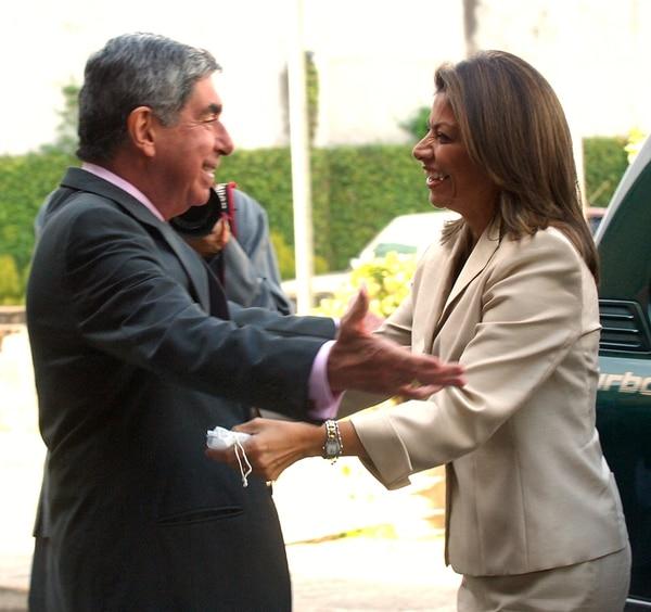 Gran problema. Las finanzas públicas quedaron peor tras el actual gobierno que como las dejó Óscar Arias Sánchez. Chinchilla entró a Zapote con un déficit fiscal de 5,2% del PIB, que para el 2013 era de 5,4%.