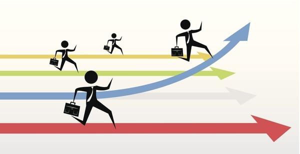 Concentrarse en el desarrollo de su negocio puede dar mejores resultados que estar pendiente en exceso de las actividades de los competidores.