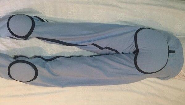 La emprendedora explicó que este pantalón trae refuerzos en áreas críticas en la formación de úlceras, como el coxis y los talones. La prenda se confecciona a la medida. (Foto: El Ropero de Mimi para EF).