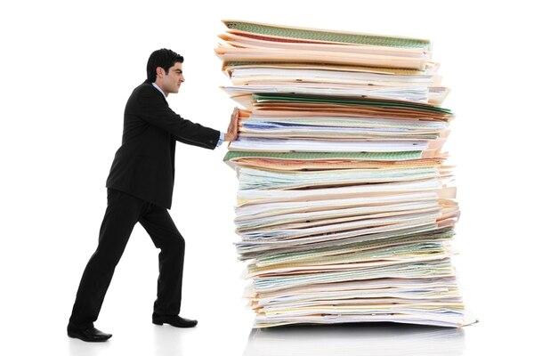 Tenga a mano facturas y documentos que respalden las operaciones del año fiscal. En el caso de las facturas electrónicas asegúrese de que fueron aceptadas para poder deducirlas de gastos. (Foto archivo GN)