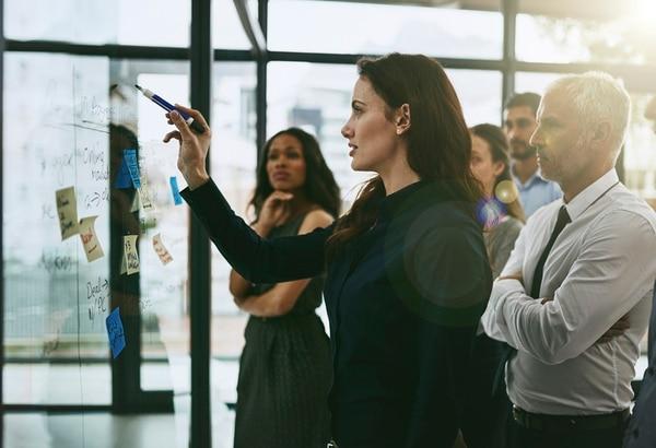 Lo que todo líder necesita: equilibrio entre autoconfianza y colaboración