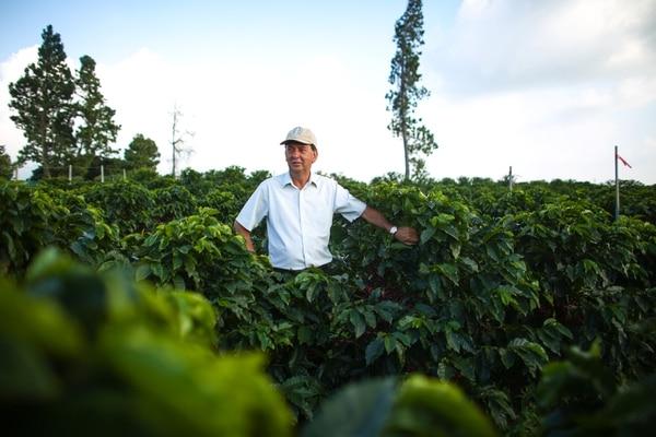 Carlos Mario Rodriguez recibió la mención por Gestión del premio Empresario del Año, de El Financiero.