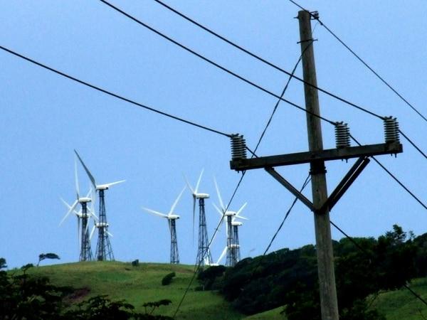 Costa Rica genera el 90% de su energía eléctrica con fuentes renovables. Empero, el crecimiento de esas fuentes se ha estancado por falta de inversión del ICE en los últimos años.
