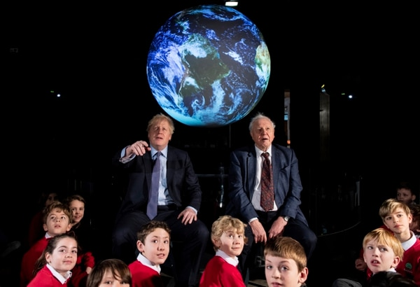 Londres prohibirá a partir de 2035 vender nuevos vehículos de gasolina y gasóleo, incluidos los híbridos, en el marco de sus esfuerzos por alcanzar la neutralidad de carbono, anunció el primer ministro Boris Johnson el martes en Londres. Foto: Chris J Ratcliffe/Pool via AP