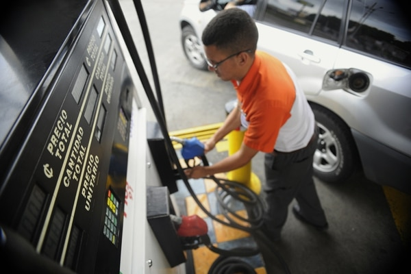 Expectativa. El FMI proyecta que el precio del petróleo pasará de $52 por barril en el 2015 a $60 en el 2019.