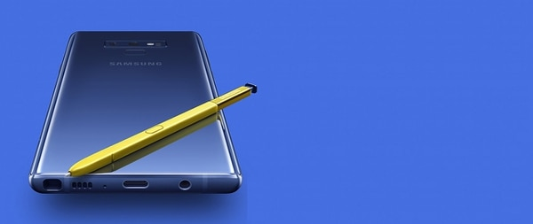Samsung destacó el diseño elegante y ergonómico, así como la curva 3D Glass de la parte posterior para brindar comodidad.