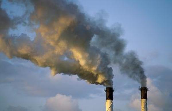 A pesar del cambio climático, la mayoría de los países contaminantes siguen pagando poco o nada por sus emisiones de dióxido de carbono a la atmósfera, dice científico de la Universidad de Gotemburgo en Suecia.