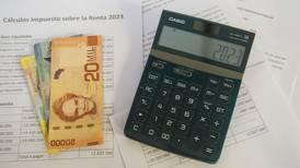 ¿Cómo puedo pedir una reducción o eliminación de los pagos parciales del impuesto sobre la renta?