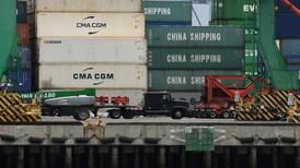 Déficit comercial de EEUU registró en noviembre su nivel más bajo en tres años