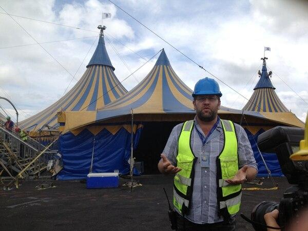 Peter de Baaij, director de Operaciones, frente a la tienda de ingreso al Cirque du Soleil.