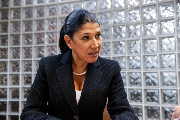 Cinthya Zapata es la directora de Apoyo al Consumidor del MEIC. Fotografía de Adrián Soto.