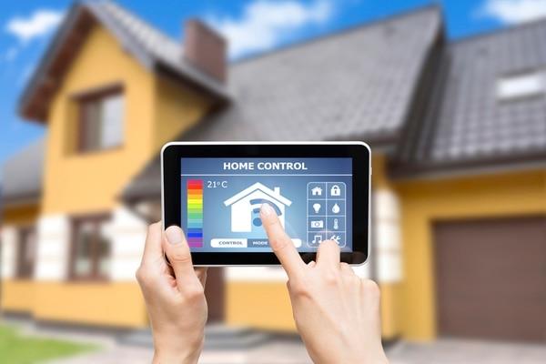En el CES realizado en Las Vegas, quedó demostrado el interés de los grandes fabricantes tecnológicos en las casas conectadas. Dispositivos inteligentes que están diseñados para facilitar los quehaceres dentro del hogar.