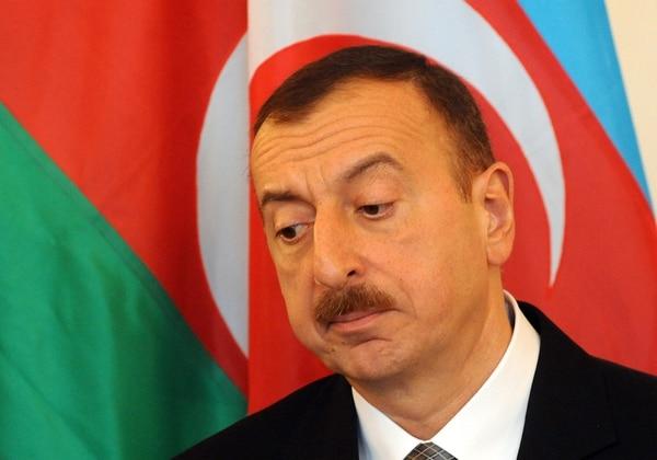 Millones de correos electrónicos y documentos filtrados procedentes de paraísos fiscales han puesto de manifiesto la identidad de miles de titulares de cuentas en el extranjero, incluida la familia del presidente de Azerbaiyán.