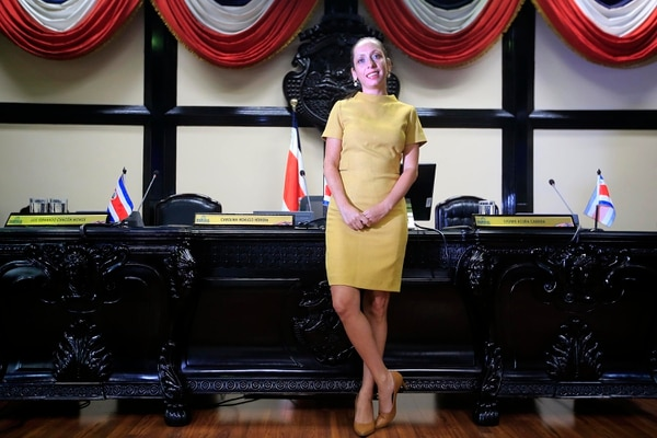 Carolina Hidalgo Herrera dejará la presidencia de la Asamblea Legislativa el próximo martes 30 de abril para asumir su papel como diputada del Partido Acción Ciudadana (PAC). Fotografía: Rafael Pacheco.