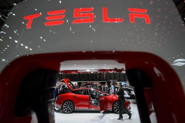Tesla detiene temporalmente producción del Model 3