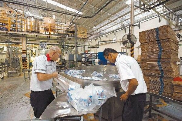 En San Francisco de Dos Ríos, Clorox Company demolió las instalaciones viejas de American Sanitary para levantar un edificio diseñado por la normativa LEED. Allí se manufacturan los blanqueadores y algunos desinfectantes.