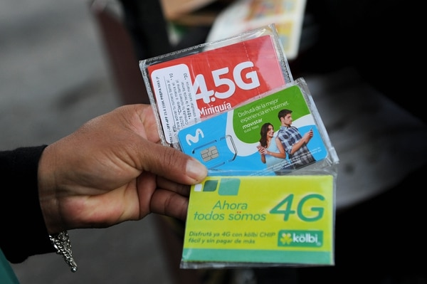 Sutel y OpenSignal evaluó los servicios y las redes de telefonía móvil de Kölbi, Movistar y Claro. (Foto Melissa Fernández / Archivo GN)
