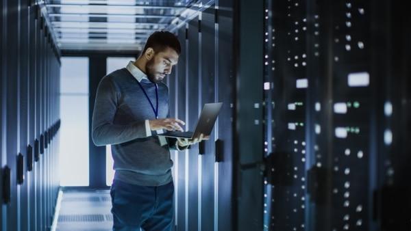 'Big data' son enormes grupos de datos que los actores en el mundo digital generan a tiempo real. Su objetivo principal es ayudar a los especialistas a tomar mejores decisiones. Foto: Shutterstock.