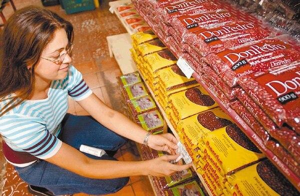 El mercado manda en la fijación de precios después de un proceso de desregulación que arreció durante la década de 1990. Las excepciones son los servicios públicos, el arroz y los servicios profesionales. | HERBERT ARLEY PARA EF