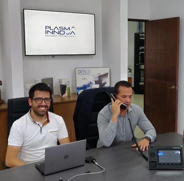Para la creación de los dispositivos los fundadores de Plasma Innova realizan investigaciones y realizan pruebas con prototipos. (Foto cortesía Plasma Innova)