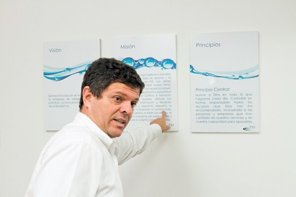 PXS, creada por Edwin Garro, ofrece certificaciones internacionales de calidad para personas.