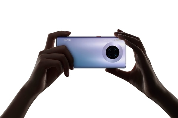 En el Huawei Mate 30 Pro se incorporó un sistema de cuatro cámaras, compuesto por la Cine Camera de 40MP, la SuperSensing Camera de 40MP, una telefoto de 8MP, y la 3D Depth Sensing Camera. Foto: Cortesía de Huawei.