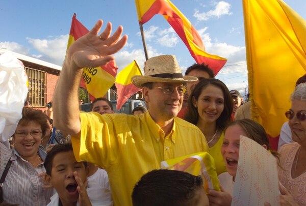 Ottón Solís aspira a ser diputado en el primer lugar de la papeleta por San José. Ahora el PAC podrá inscribir su candidatura y la de los restantes 56 aspirantes a una curul tras la resolución del TSE en contra de un recurso de amparo electoral.