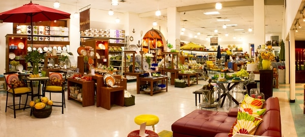 Los productos de venta al por mayor de Faro Supplies están disponible en la sede de Cemaco en Pavas.