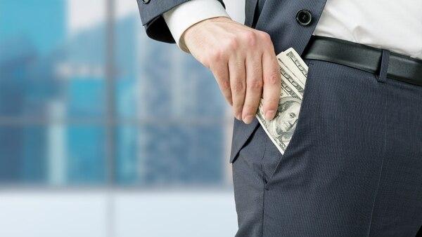 Con algunas excepciones, el ingreso salarial de una persona no se mantiene en constante crecimiento o estabilidad durante toda su vida.